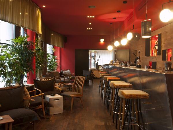bristol bar frankfurt 10 j hriges jubil um f r eine der. Black Bedroom Furniture Sets. Home Design Ideas