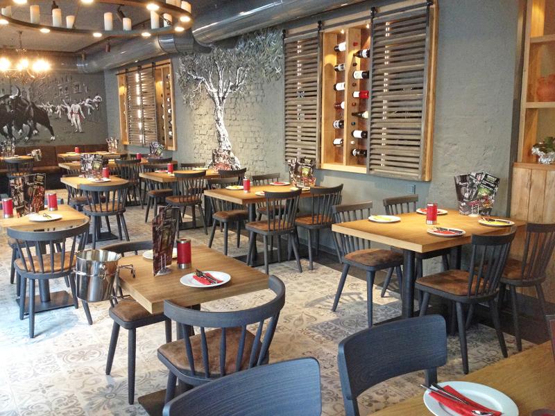 Ol einrichtung einer tapas bar in essen - Stuhlfabrik schnieder ...