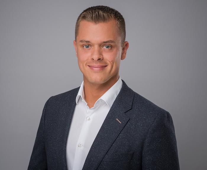 Dennis pawelczyk ist neuer director of sales der scandic for Art director jobs berlin