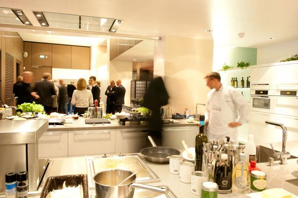 h cker k chen r dinghausen stattet cooking lounge im olympiastadion berlin aus. Black Bedroom Furniture Sets. Home Design Ideas