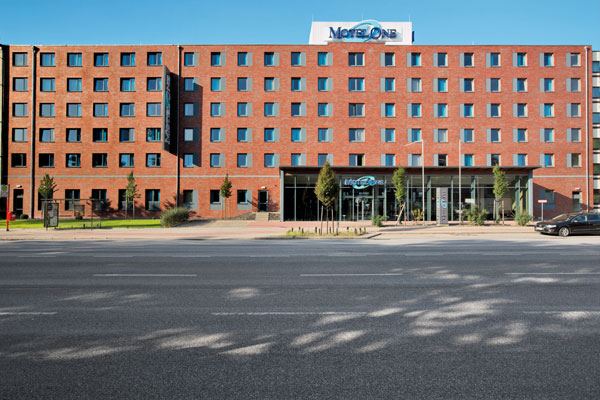 Low budget hotel motel one hamburg altona kieler stra e for Motel one wellness