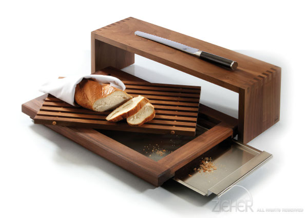 brotbox holz solid brot am tisch und auf dem buffet. Black Bedroom Furniture Sets. Home Design Ideas