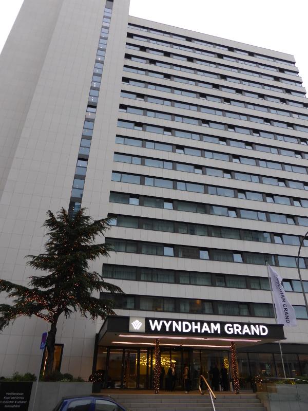 4 sterne design hotel wyndham grand frankfurt hat er ffnet for Frankfurt design hotels